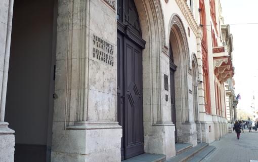 Univerzitet u Beogradu: Neprimeren performans 'Jedan od pet miliona' ispred Rektorata