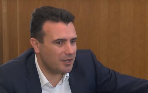 Zaev obećao Varheiju da će Makedonija isporučiti još više argumeta za odluku za početak pregovra