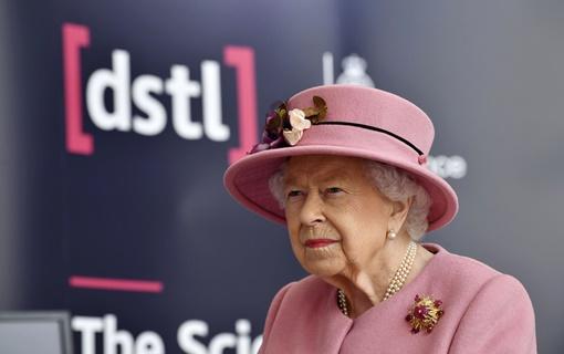 Kraljica Elizabeta prvi put u javnosti od karantina