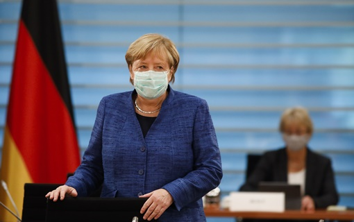 Merkel pozvala sunarodnike da ostanu kod kuće