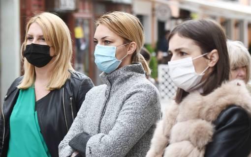 Kon: Ako svi nose maske i drže distancu - zaštita je 99 odsto
