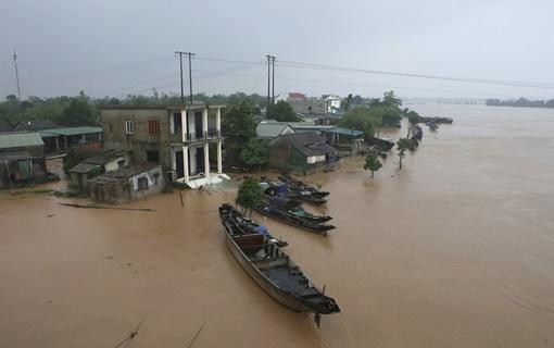 Najmanje 111 mrtvih u poplavama u Vijetnamu, najavljena nova oluja