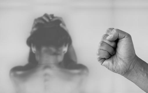 Francuska proterala porodicu iz Bosne zbog zlostavljanja ćerke