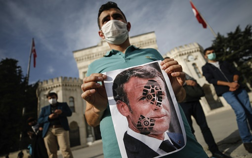 Protesti i poziv na bojkot u muslimanskom svetu posle izjave Makrona