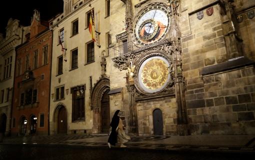 Češka vlada zbog neefikasnih mera protiv kovida 19 uvodi policijski čas