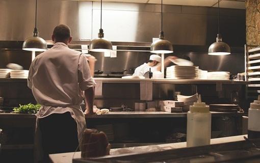 HORES traži smanjenje PDV na hranu, odlaganje kredita i jednostavniju prijavu radne snage