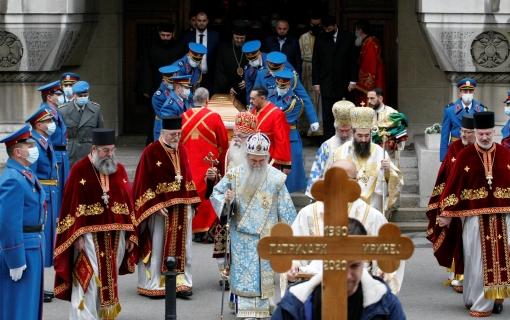 Telo preminulog patrijarha preneto u Sabornu crkvu