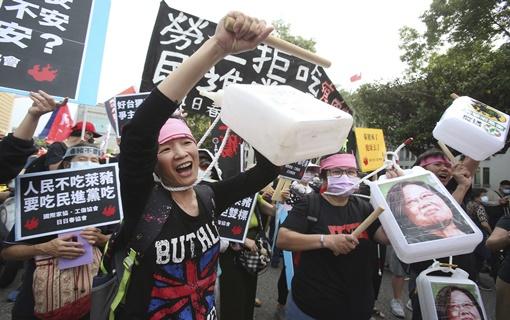 Hiljade demonstrirale na Tajvanu protiv uvoza svinjskog mesa iz SAD